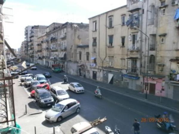 Bilocale Napoli Via Arenaccia 7