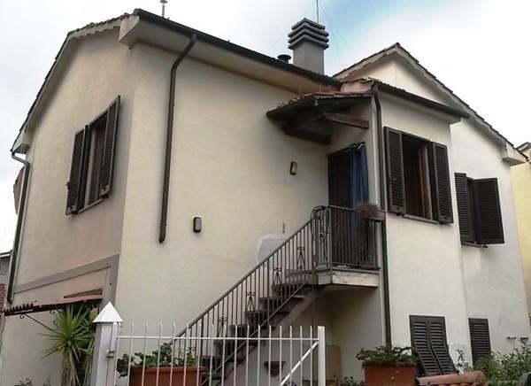 Bilocale Lucca Via Niccolò Paganini 10