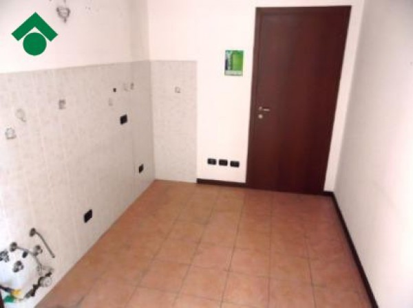 Bilocale Limbiate Via Corinna Bruni 11