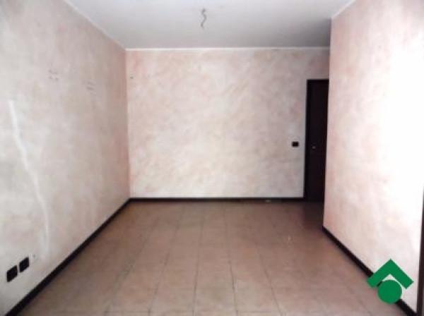 Bilocale Limbiate Via Corinna Bruni 2