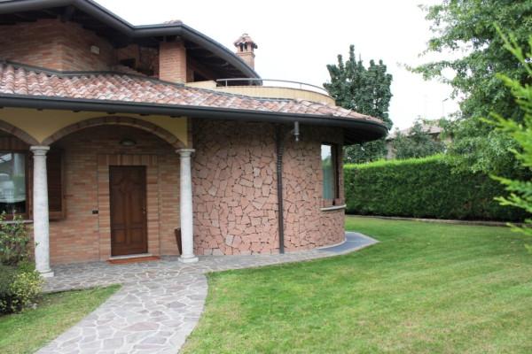 Villa in vendita a Olgiate Olona, 4 locali, prezzo € 590.000 | Cambio Casa.it