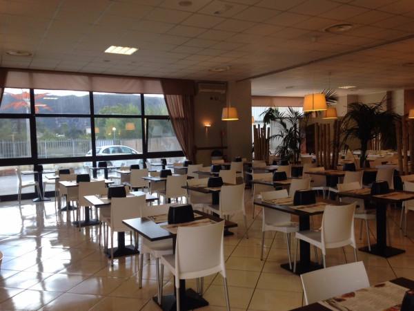 Ristorante / Pizzeria / Trattoria in vendita a Avezzano, 2 locali, prezzo € 150.000 | Cambio Casa.it