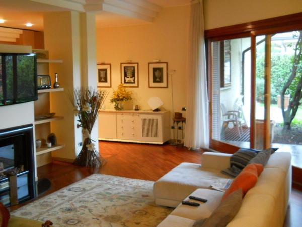 Villa in vendita a Lentate sul Seveso, 6 locali, Trattative riservate | CambioCasa.it