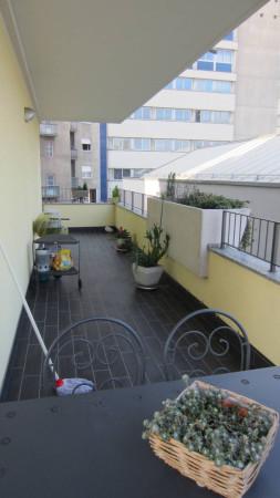 Bilocale Milano Via Ambrogio Portaluppi 10