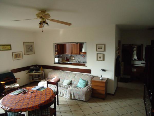 Appartamento in vendita a Colle Brianza, 2 locali, prezzo € 89.000 | Cambio Casa.it