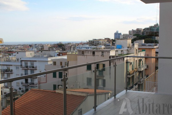 Appartamento in vendita a Messina, 4 locali, prezzo € 330.000 | Cambio Casa.it