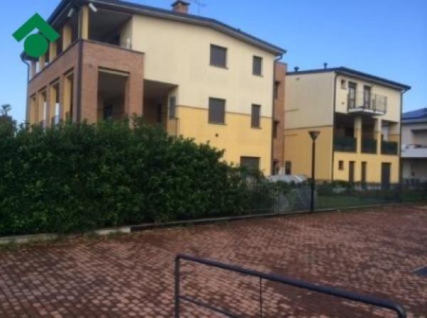 Bilocale Cesate Via Cesare Battisti, 15 1