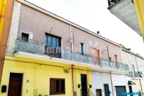 Appartamento in vendita a Oria, 4 locali, prezzo € 75.000 | Cambio Casa.it