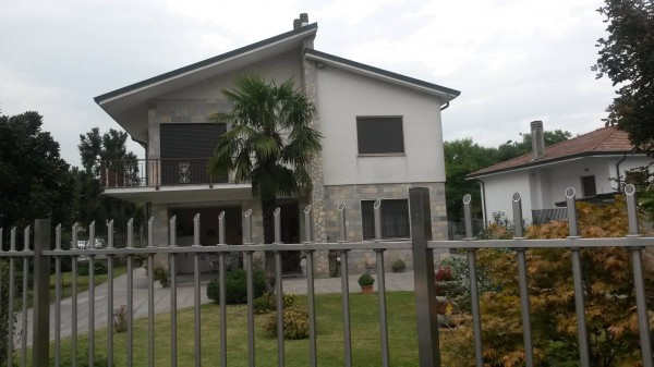 Villa in vendita a Zelo Buon Persico, 5 locali, prezzo € 700.000 | Cambio Casa.it