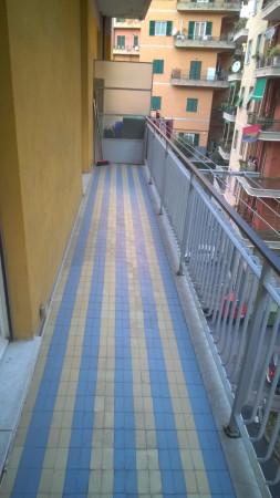 Bilocale Genova Via La Spezia 3