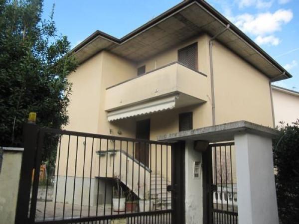 Villa in vendita a Vignate, 5 locali, prezzo € 350.000 | Cambio Casa.it