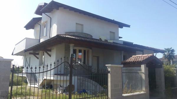 Villa in Vendita a Vigevano Centro: 5 locali, 280 mq