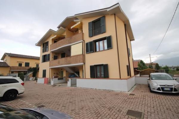 Appartamento in Vendita a Lucca Periferia Est: 4 locali, 75 mq