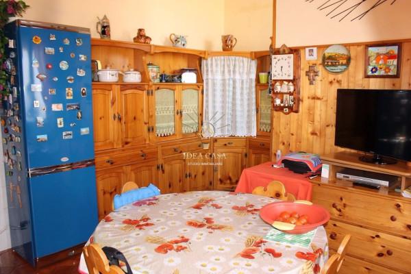 Appartamento in vendita a Sirtori, 3 locali, prezzo € 129.000 | Cambio Casa.it