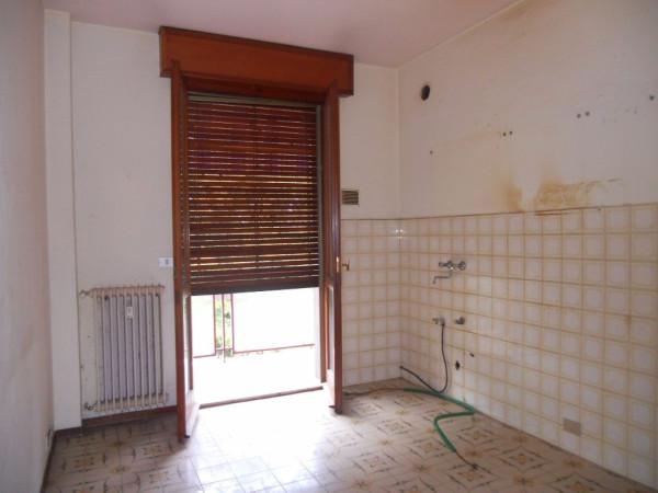 Appartamento in vendita a Luzzara, 3 locali, prezzo € 40.000 | Cambio Casa.it