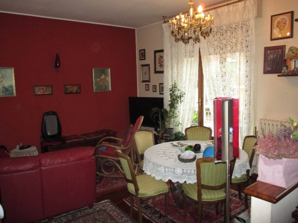 Appartamento in vendita a Pesaro, 4 locali, prezzo € 260.000 | Cambio Casa.it