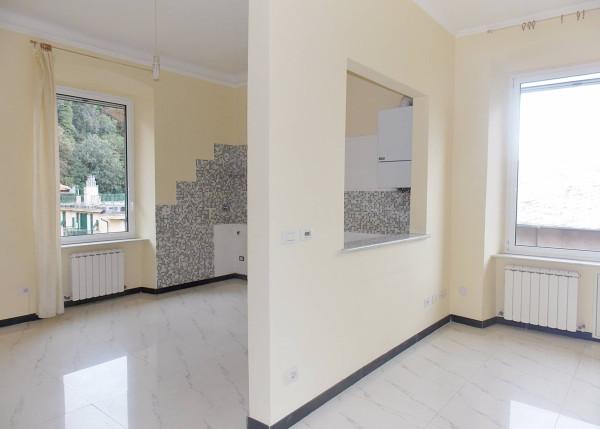 Bilocale Genova Via Venezia 6