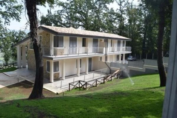 Villa in vendita a Nazzano, 3 locali, Trattative riservate | Cambio Casa.it