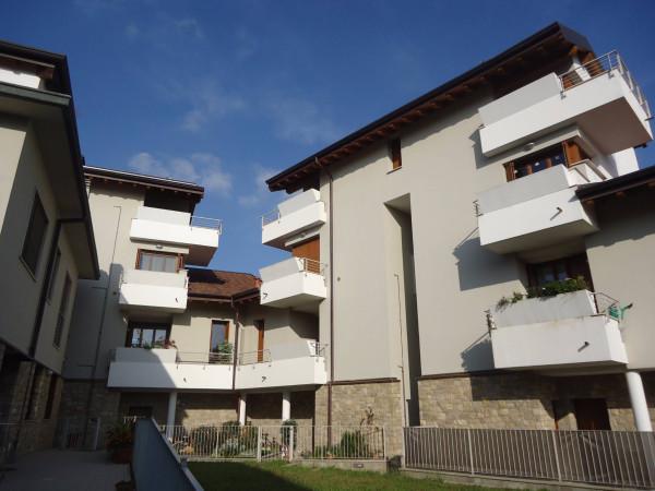 Bilocale Usmate Velate Via Cesare Battisti 2