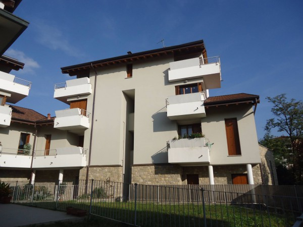 Bilocale Usmate Velate Via Cesare Battisti 4