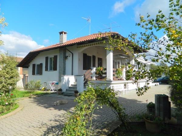 Villa in Vendita a Castelnuovo Don Bosco Periferia: 4 locali, 122 mq