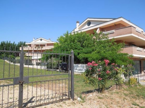 Appartamento in Vendita a Roma 22 Laurentina: 2 locali, 60 mq
