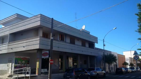 Appartamento in vendita a Salice Salentino, 6 locali, prezzo € 139.000 | Cambio Casa.it