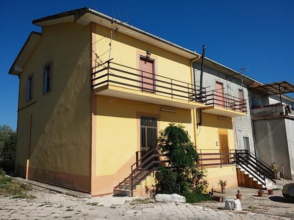Soluzione Indipendente in vendita a Teano, 6 locali, prezzo € 120.000 | Cambio Casa.it