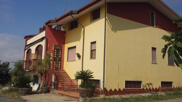 Appartamento in vendita a Montecorvino Pugliano, 4 locali, prezzo € 360.000 | CambioCasa.it