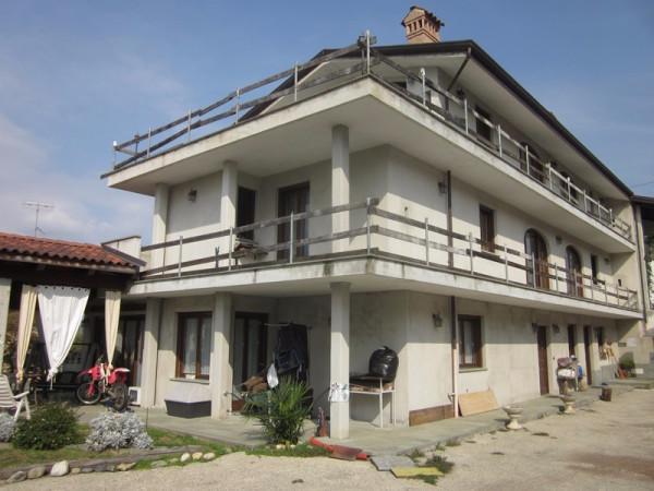 Casa indipendente in Vendita a San Martino Canavese: 5 locali, 250 mq