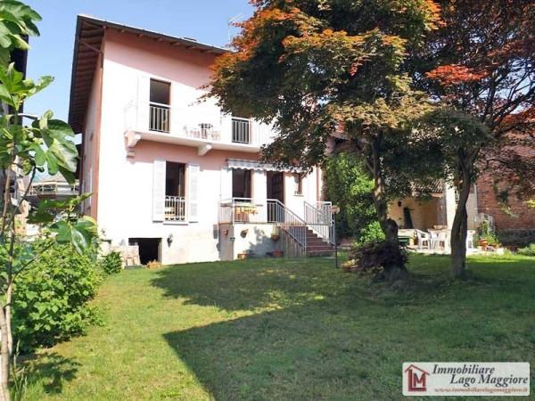 Soluzione Indipendente in vendita a Taino, 6 locali, prezzo € 290.000 | Cambio Casa.it