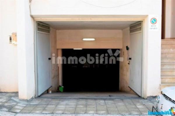 Box / Garage in Vendita a Oria