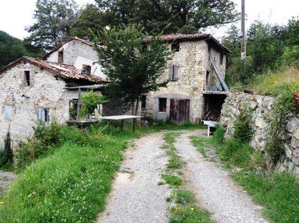 Rustico in Vendita a Zocca: 5 locali, 550 mq