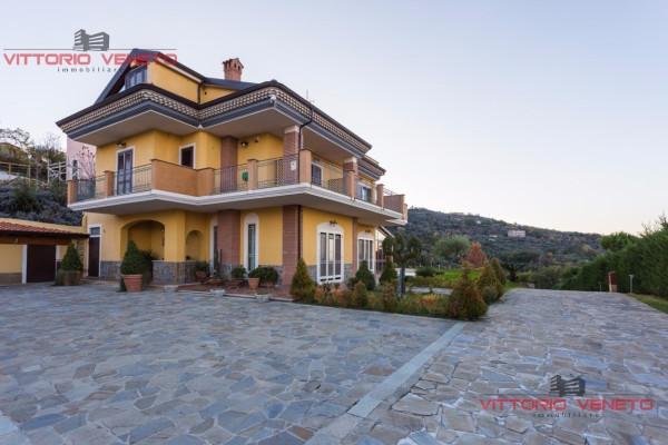 Albergo in vendita a Laureana Cilento, 6 locali, prezzo € 840.000 | Cambio Casa.it