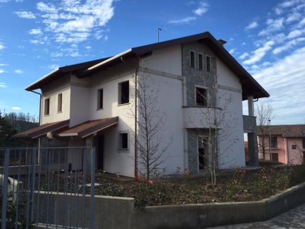 Villa in vendita a Oggiono, 4 locali, prezzo € 490.000 | Cambio Casa.it