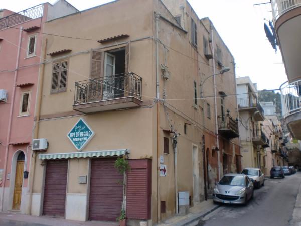 Palazzo / Stabile in vendita a Santa Flavia, 5 locali, prezzo € 210.000   Cambio Casa.it