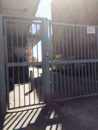 garage-Box-posto auto  in Affitto a Torre Del Greco