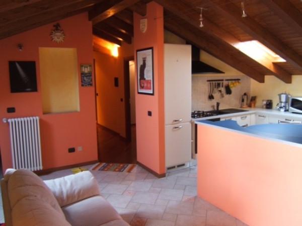 Appartamento in vendita a Faloppio, 3 locali, prezzo € 129.000 | Cambio Casa.it
