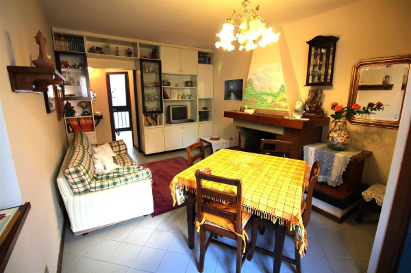 Bilocale Lucca Via Sardegna 11