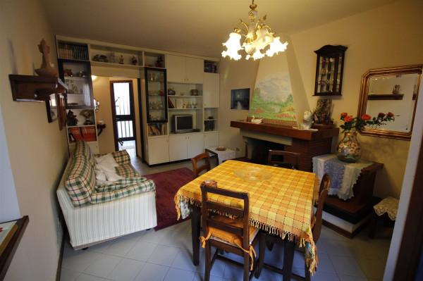 Bilocale Lucca Via Sardegna 2