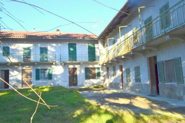 Rustico / Casale in vendita a Albugnano, 6 locali, prezzo € 130.000 | Cambio Casa.it