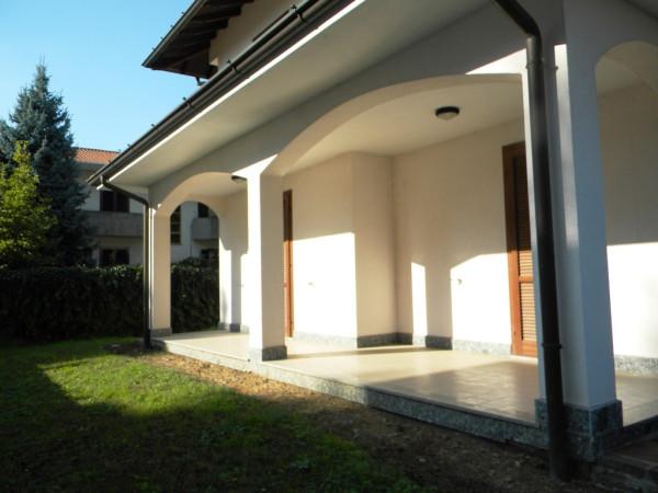 Villa in vendita a Magnago, 4 locali, prezzo € 350.000 | Cambio Casa.it
