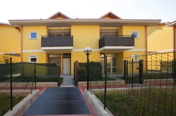 Villa in vendita a Viggiù, 5 locali, prezzo € 330.000 | Cambio Casa.it