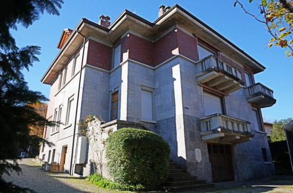 Villa in vendita a Stresa, 6 locali, prezzo € 1.150.000 | CambioCasa.it