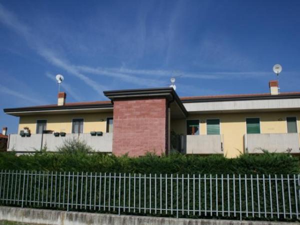 Appartamento in vendita a Valeggio sul Mincio, 5 locali, prezzo € 103.000 | Cambio Casa.it