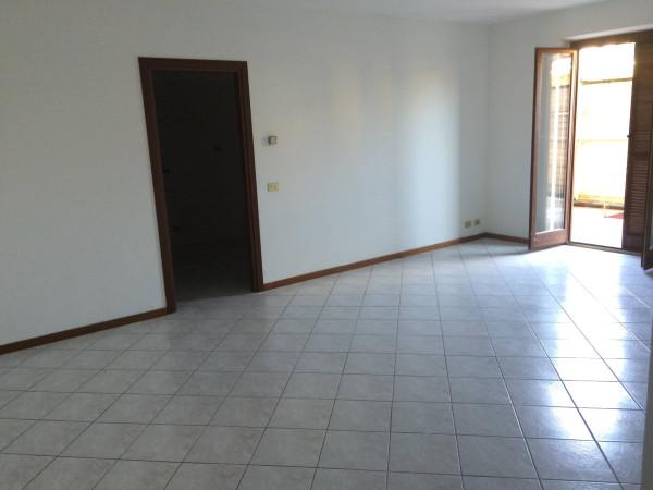 Appartamento in vendita a Carrù, 4 locali, prezzo € 145.000 | CambioCasa.it