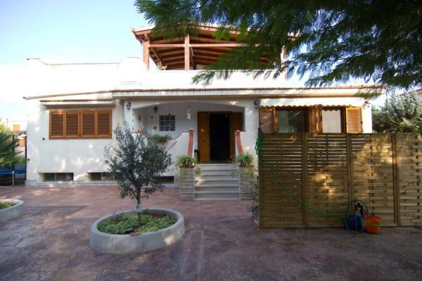 Villa in vendita a Taranto, 5 locali, prezzo € 250.000 | Cambio Casa.it
