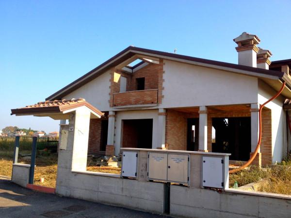 Villa in vendita a Cesenatico, 6 locali, prezzo € 270.000 | Cambio Casa.it