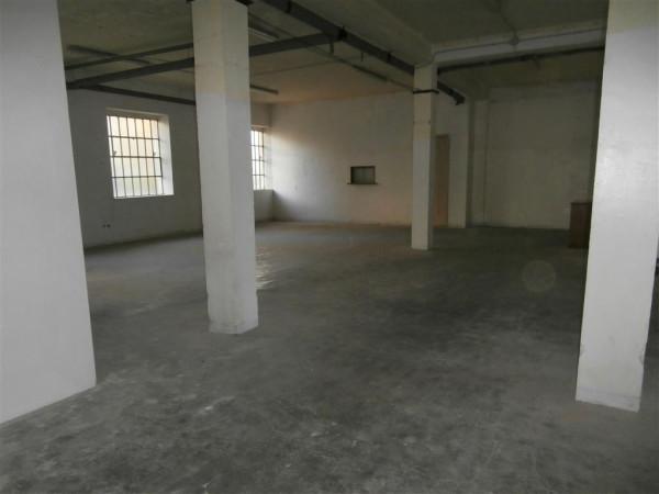 Magazzino in Affitto a Cuneo Semicentro: 2 locali, 200 mq