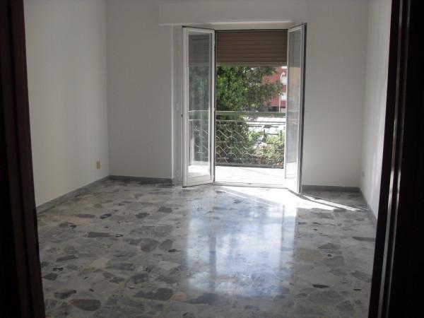 Appartamento in vendita a Vallecrosia, 6 locali, prezzo € 215.000 | Cambio Casa.it
